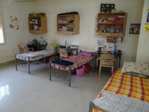 2girls hostel room